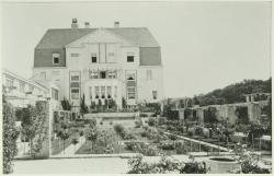 Tuinen van Landhuis Kareol (In 1979 afgebroken).