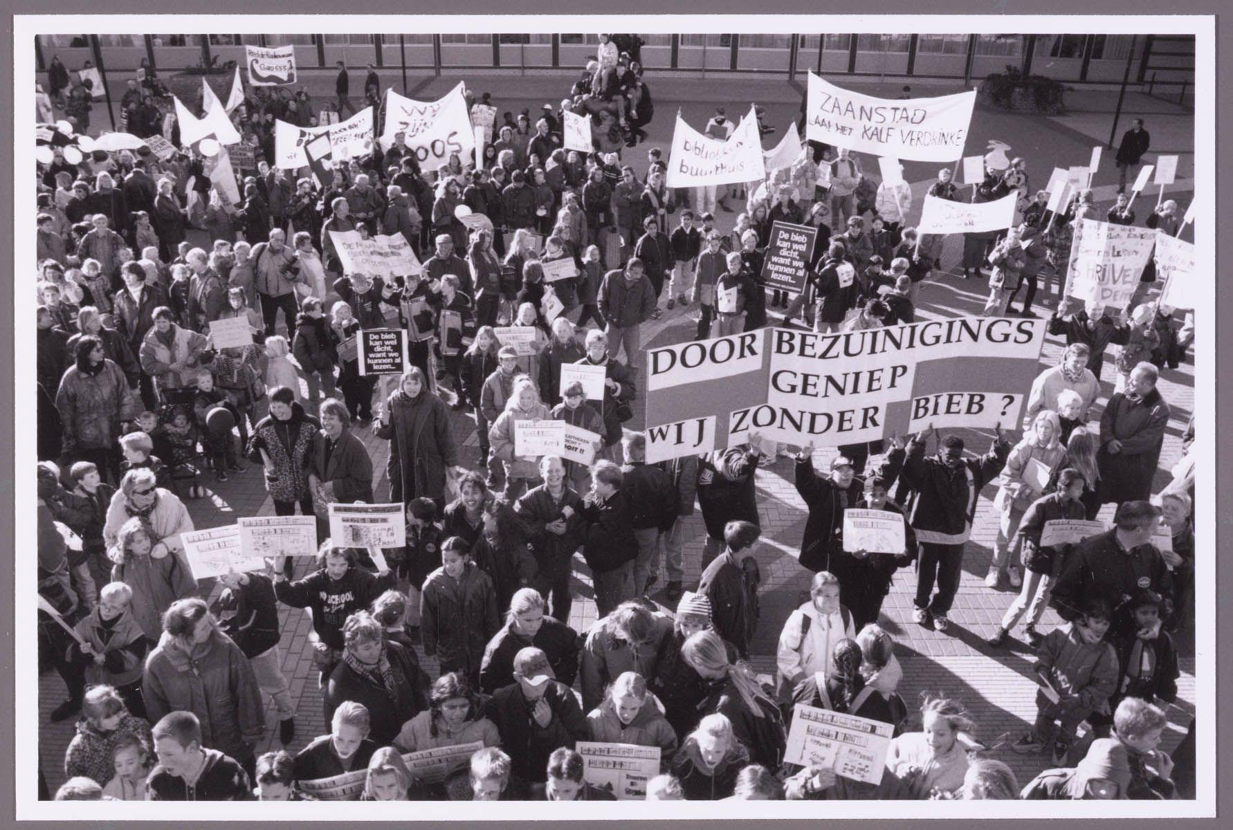 Demonstratie op binnenplein Bannehof