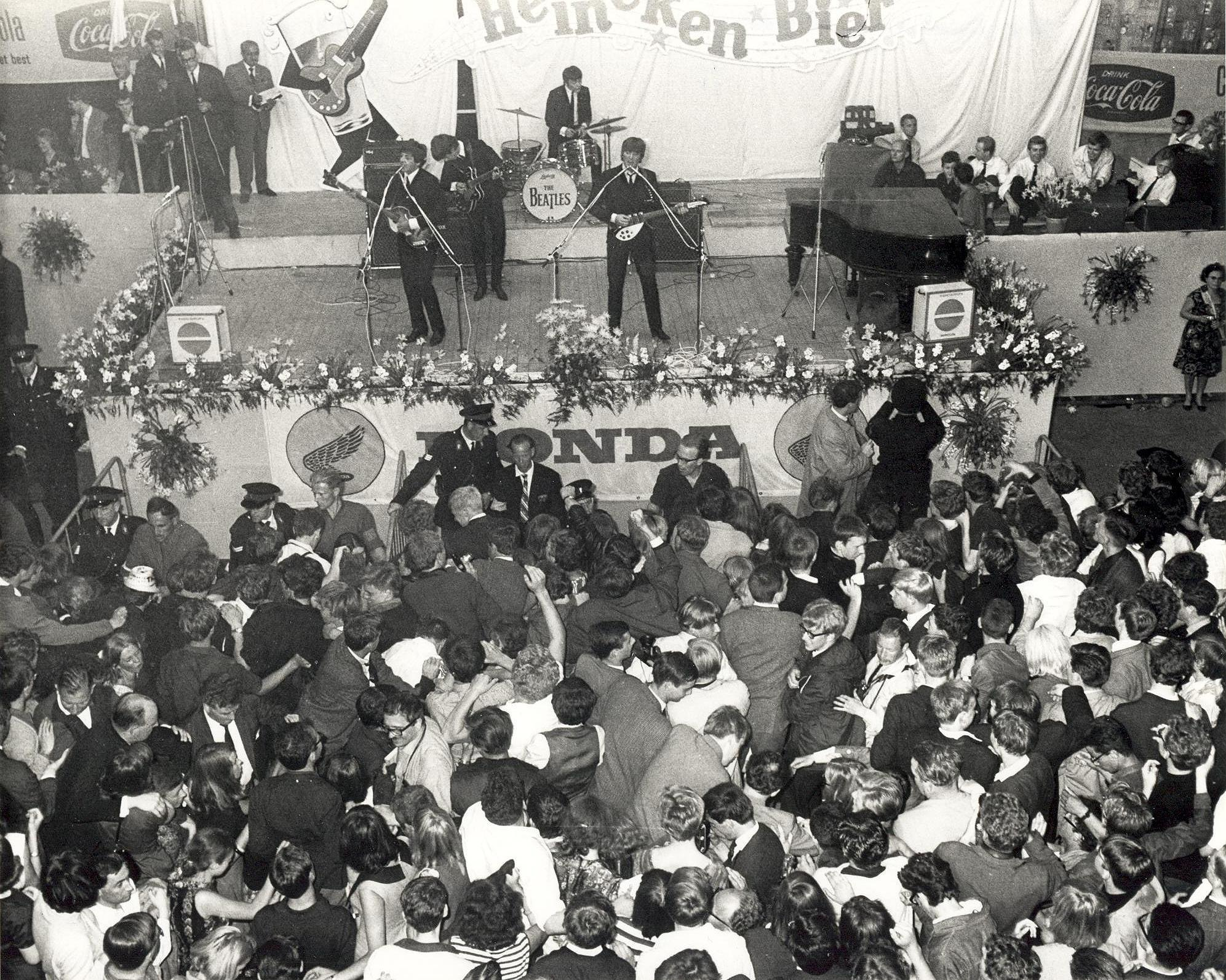 Het optreden op 6 juni 1964.