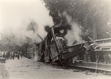 Het ongeluk met de Gooische Stoomtram in 1927.