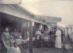 Vluchtelingen in Haarlem omstreeks 1915.
