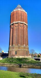 Watertoren Hoogkarspel: een kloek bouwwerk