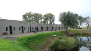 Fort bij Aalsmeer: beschermer van inundatiesluis en suikerbieten