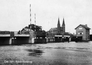 Raadhuis Uithoorn moest wijken voor brug