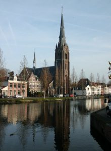 Schuilkerk maakt plaats voor St. Laurentiuskerk