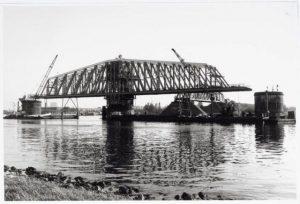 Hembrug grootste draaibrug van Europa