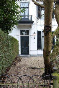 Dubbele villa met erfafscheiding in Hilversum