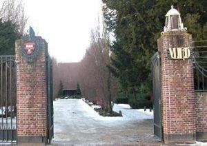 Zorgvlied, begraafplaats aan de Amstel