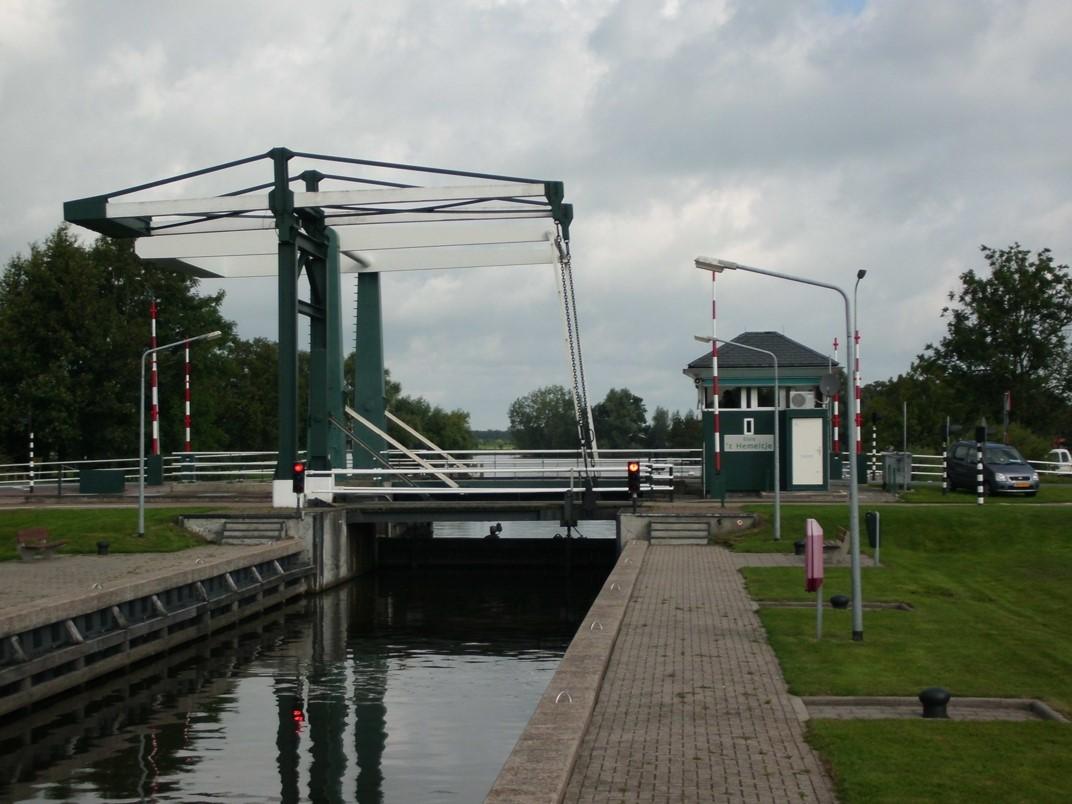Sluis 't Hemeltje verbindt het Hilversums Kanaal met de Vecht