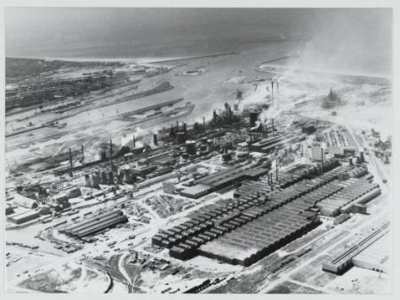 Gezicht op de Hoogovens, in 1968