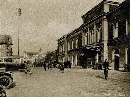 Stationsplein, circa 1920.