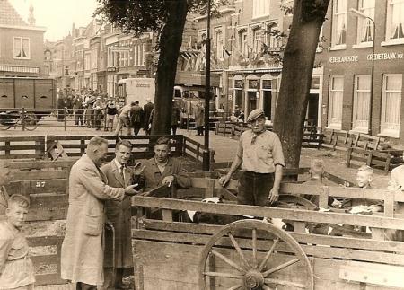 De Koemarkt in vroeger tijden.