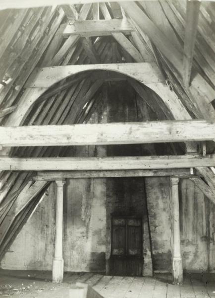 Overblijfsel van het schuilkerkje op de zolder van het oude jachthuis