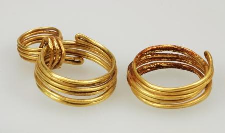 Gouden sieraden uit de bronstijd.