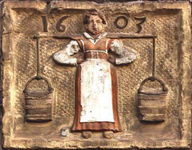 Gevelsteen met melkmeisje, 1607.