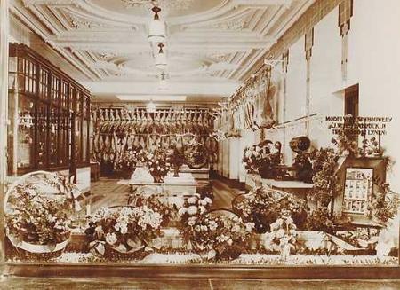 Model-Vleeschhouwerij J.W. Heijenbrock Jr P.C. Hooftstraat 88 na een verbouwing in 1908