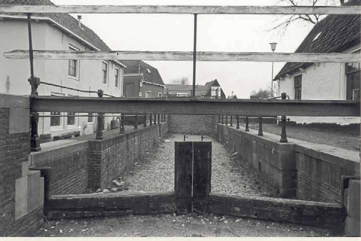 De Kleine Haarlemmersluis in Spaarndam.