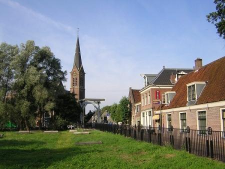 Diaconiehuisjes aan de Kerkstraat.
