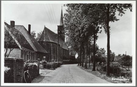 Ansichtkaart uit de jaren 1960 van de Sint Laurenskerk.