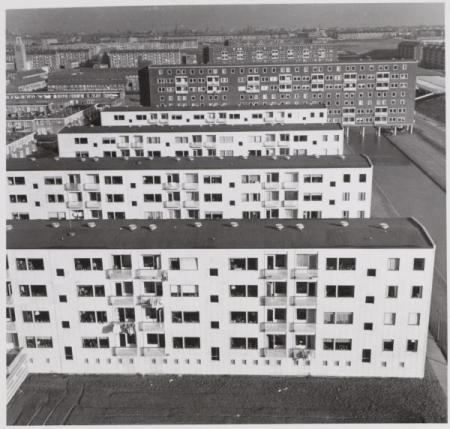 Ook de bebouwing aan de Comeniusstraat maakt deel uit van het AUP van Van Eesteren.
