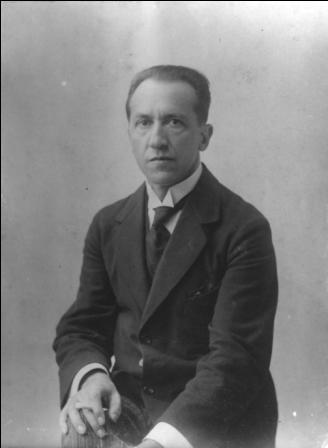 Portret van Piet Mondriaan omstreeks 1916, fotograaf onbekend.