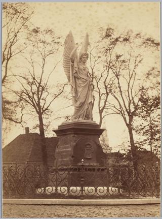 Het Victoriebeeld, ca. 1900.