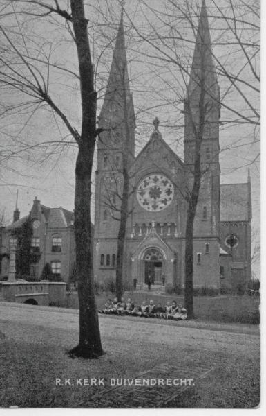 De St.-Urbanuskerk een eeuw geleden.