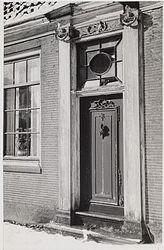 De chique entree van de woning aan de Schoolstraat in Koog aan de Zaan