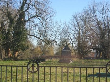 Grafstenen op de plek van het huis Van Aemstel