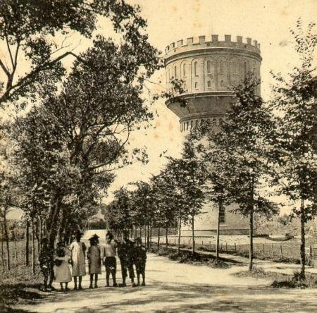 Alkmaarse watertoren aan Bergerweg circa 1905