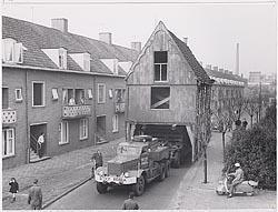 Op weg naar de Zaanse Schans op 19 april 1963