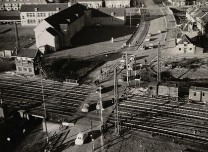 De spoorwegovergang gezien vanaf de watertoren, 1954.
