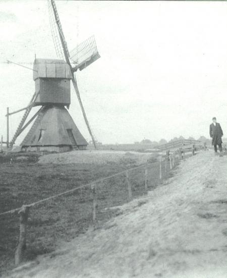 De wipmolen van de Noorder Rekerpolder in het begin van de twintigste eeuw.