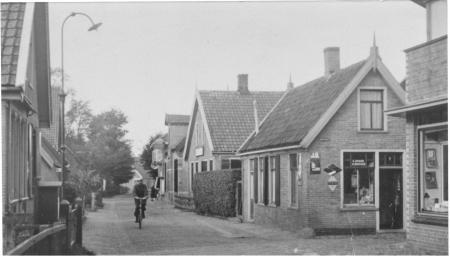 Hoek Koningsstraat - Elftstraat, in de volksmond de Poepenbuurt.