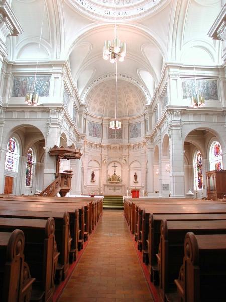 Oud-katholieke St.-Vituskerk, interieur.