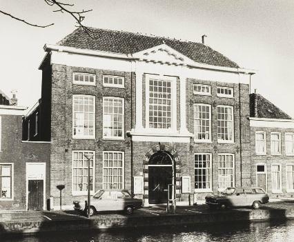Provadya? verruilde in 1981 het oude fabriekspand voor een rijksmonument aan het Verdronkenoord uit 1818.