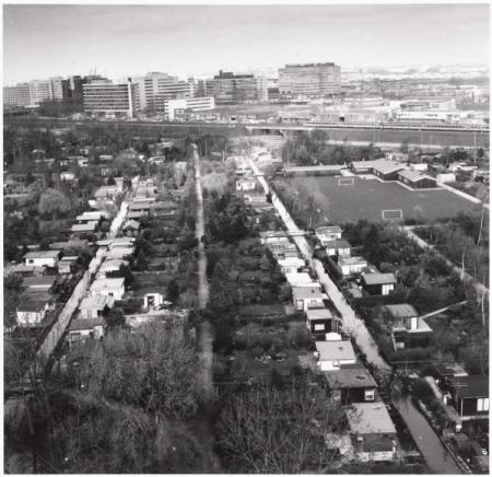 Luchtfoto van Volkstuin Nut & Genoegen in 1992.