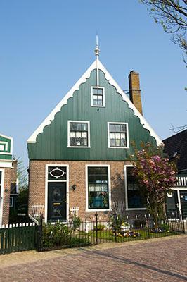 De voormalige apotheek op de Schans, Kalverringdijk 11, 2011