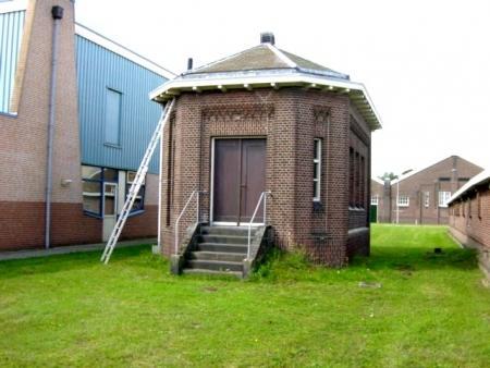 Het regulateursgebouw van het pompcomplex in Vogelenzang