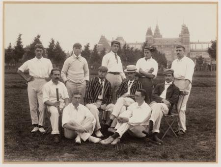 In de beginjaren speelde men cricket op het Museumplein