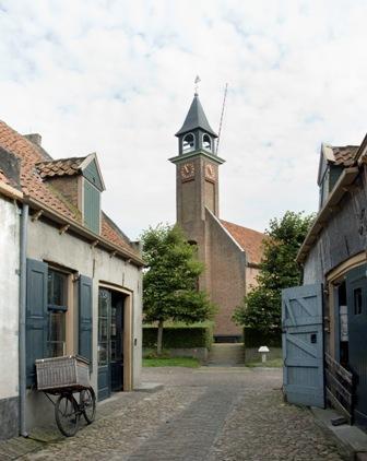 De kapel in het Buitenmuseum, Harderwijkerstraat.