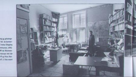 Het kantoor van het Shipping Research Bureau, met onderzoeker (1985-1991) en directeur (1991-1994) Richard Hengeveld op de achtergrond. [c] PIETER BROERSMA