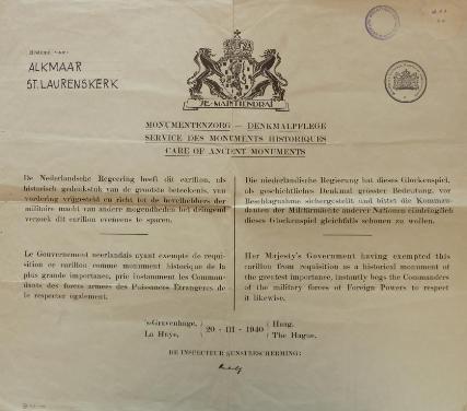 Het document dat Monumentenzorg in maart 1940, twee maanden voor de bezetting, bij het carillon van de Grote Kerk heeft opgehangen.