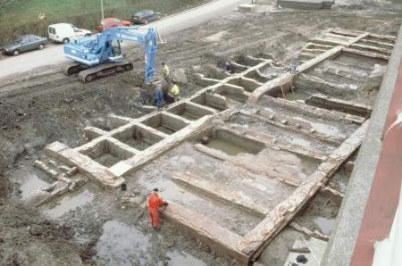 Opgraving van het stallencomplex.