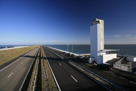 De Afsluitdijk.