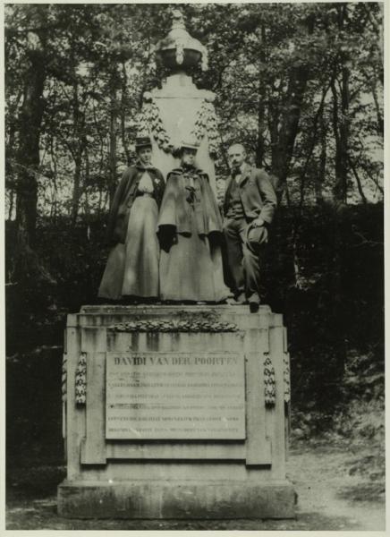 Gedenkteken voor David van der Poorten dat stond op buitenplaats Lindenheuvel