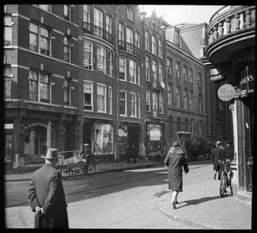'De koophandel', Jodenbreestraat te Amsterdam, 1930