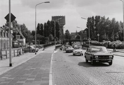 De Bergerweg met Bergertunnel gezien richting het centrum,1971.