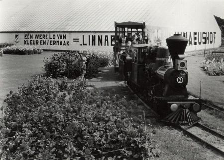 Attractie van de Linnaeushof in 1965