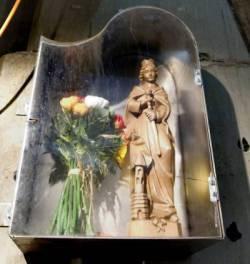 Het beeld van Sint Barbara in de startschacht van de Noord/Zuidlijn
